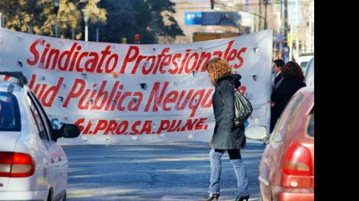 """Hospitales de Neuquén de paro"": Protesta de Siprosapune"