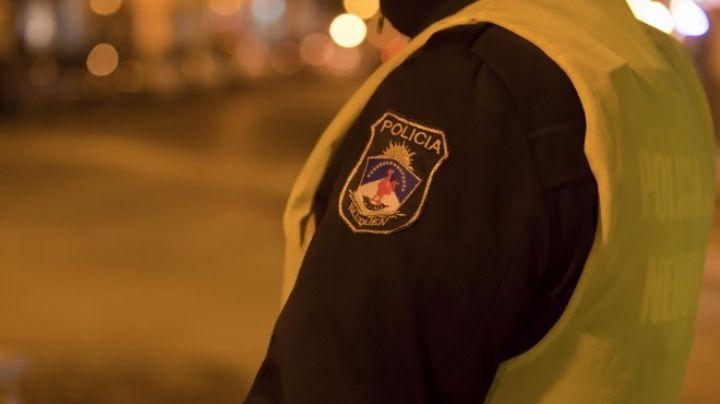 A los tiros, un policía atacó a su familia: Le dispararon 3 veces para frenarlo