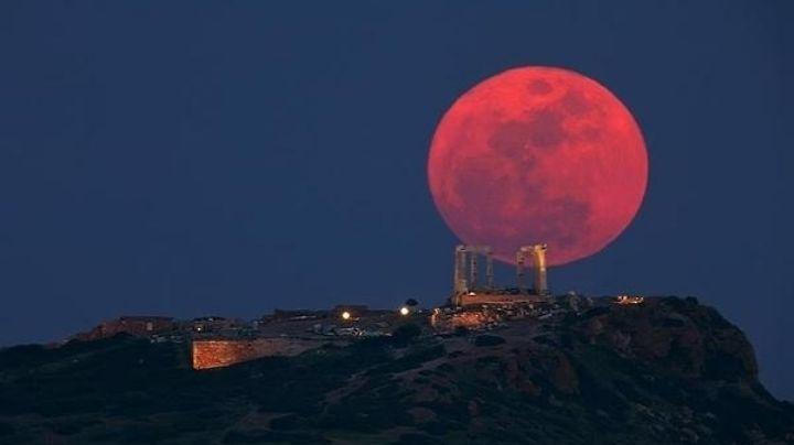"""""""Alerta de profecía"""": terrible revelación de un pastor sobre la Luna de sangre"""