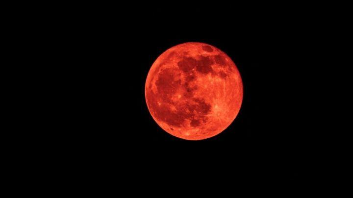 Eclipse total y la superluna de sangre: ¿cómo verlo? ¿marca el fin del mundo?