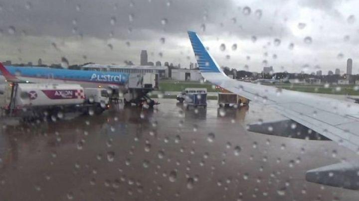 La alerta por tormentas demoró y desvió vuelos en aeropuertos