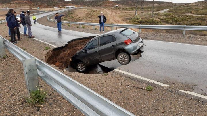 """""""Que alguien le avise a Dietrich"""": El asfalto en la Autovía Norte cedió y el accidente sobrevino. Mirá"""
