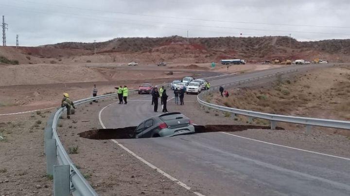 """""""Cráter en la ruta 7"""": ¿Porque se hundió el asfalto en Neuquén?"""