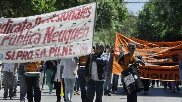 """""""Crisis en salud"""":  Paro de profesionales en Neuquén"""
