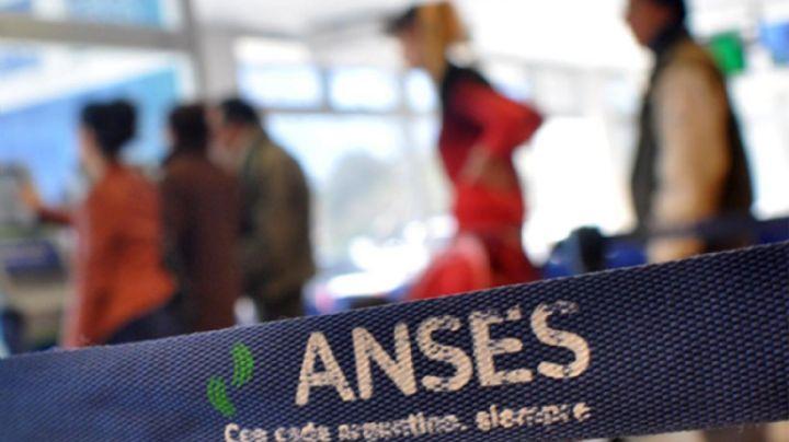ANSES anuncia saldo gratis para el celular: ¿Cómo obtener los $300 de recarga?