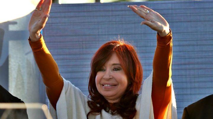 """Cristina Kirchner cuestiona a Macri: """"¿En qué se ha ido la plata del endeudamiento?"""""""