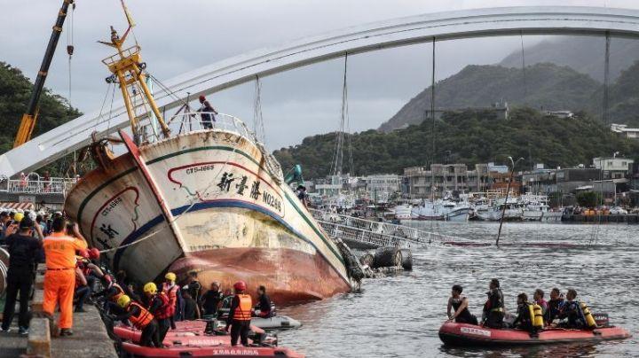 Derrumbe de puente en Taiwán deja al menos doce heridos