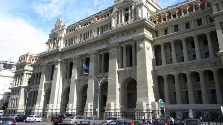 """La Corte tratará causa por """"ilegalidad"""" del acuerdo con el FMI"""