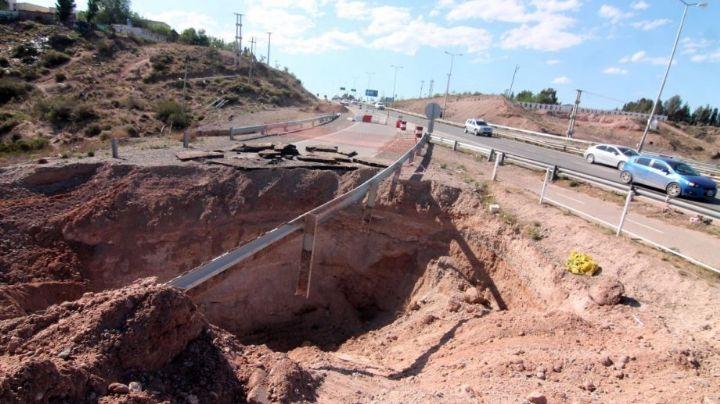 """""""Tapar el cráter"""": Empiezan los trabajos en la ruta 7, en la Autovía Norte de Neuquén"""
