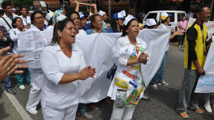 Venezuela: Los enfermeros convocan a un paro general para pedir aumentos salariales