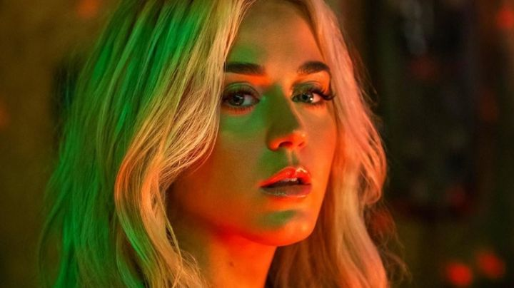 ¡Qué buenos cocos! Katy Perry celebra sus 35 y te deja ¡firme como palmera!