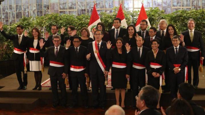 Perú: Vizcarra juramenta gabinete y fujimoristas lo acusan de parecerse a Hugo Chávez