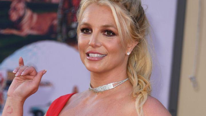 """""""¡Delirarás!"""": A Britney Spears la suben, la bajan y la… ¡upa qué flexible!"""