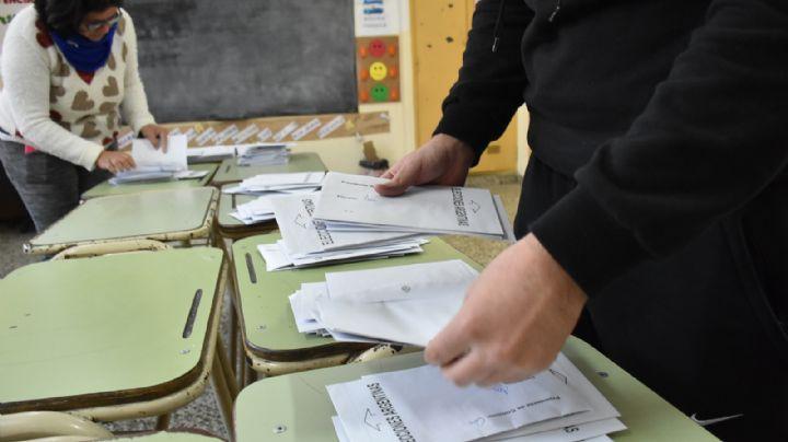 Ya está listo el escrutinio definitivo en diez provincias y habría más votos para Fernández