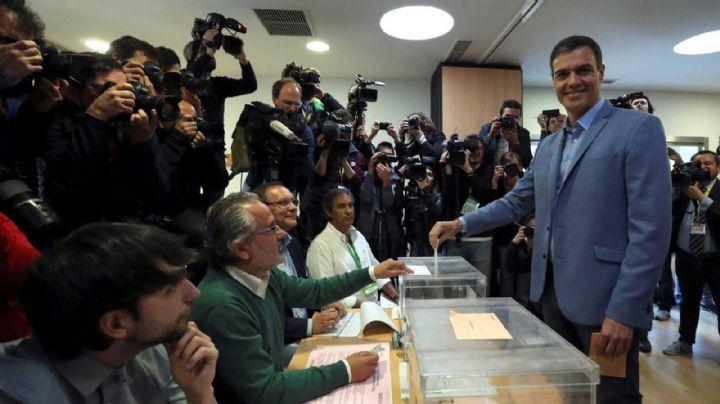 España elige nuevas autoridades con el reto de romper el bloqueo político