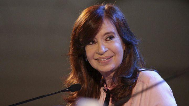 Cristina Kirchner postergó su regreso al país