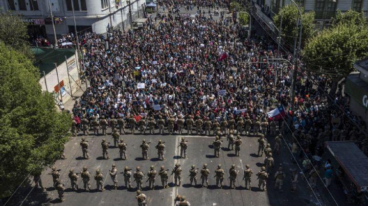 VIDEOS. Manifestantes en Chile desafían la represión de Carabineros