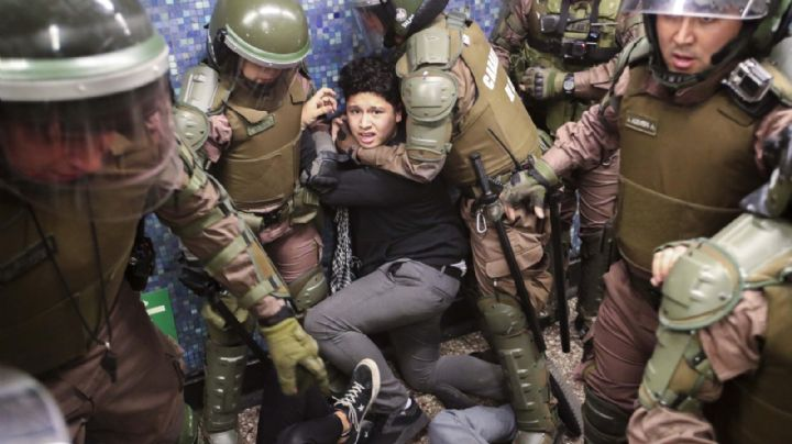 Acusan a Carabineros de homicidio por omisión por la muerte de un manifestante en Chile