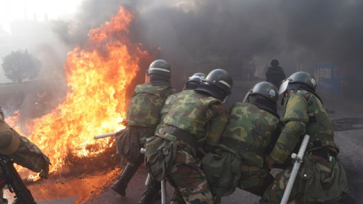 Añez aprobó un decreto que exime de responsabilidad penal a militares y policías
