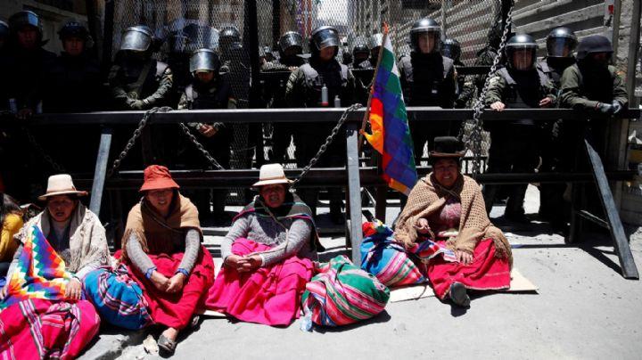La falta de alimentos en Bolivia se agrava y aumentan los aviones para proveer a los habitantes