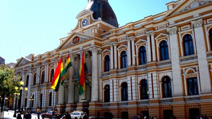"""Asamblea Legislativa de Bolivia suspende sesión para contribuir a la """"pacificación"""""""