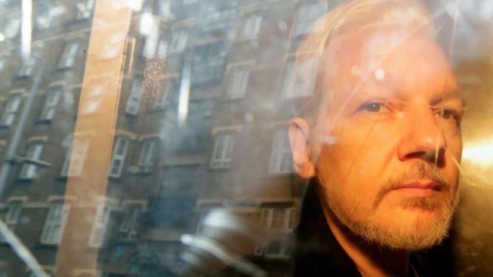 """60 médicos señalan que el fundador de WikiLeaks """"podría morir"""" si no recibe atención urgente"""