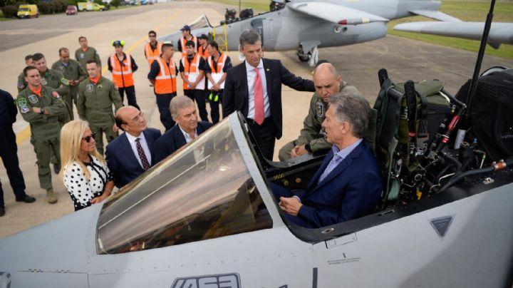Macri vuelve a Córdoba con la excusa de recorrer una vez más a la fábrica estatal de aviones