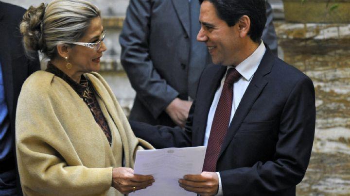 La autoproclamada presidenta de Bolivia designa al primer vocal del nuevo Tribunal Electoral