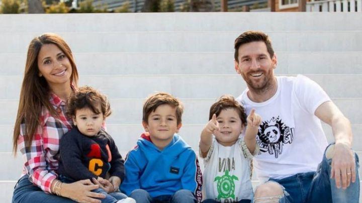 """¡El papá del año! Lionel Messi tiene el gesto más tierno de todos con su hijo Ciro,  jugando a la """"vuelta de botella"""""""