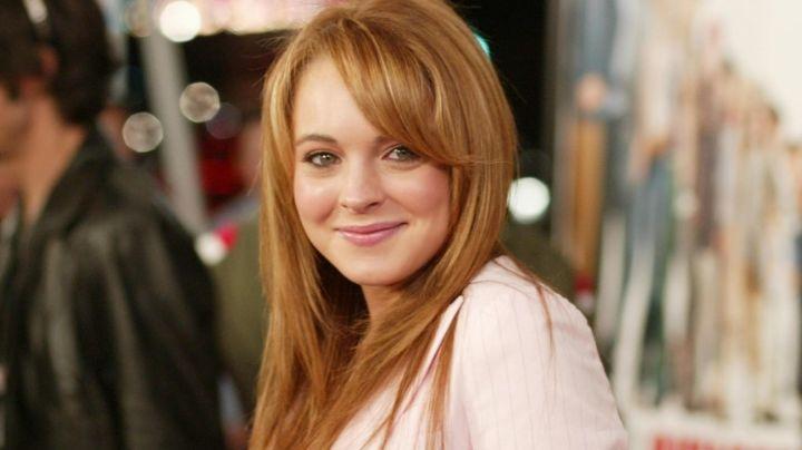 Lindsay Lohan derrite a sus fans luciendo al natural... ¡solo lleva gafas y joyas!