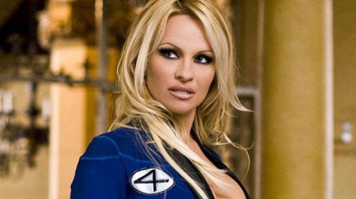 """""""¡Fuego!"""" Pamela Anderson lució de nuevo como una guardiana de la bahía ¡Te paralizará el corazón!"""