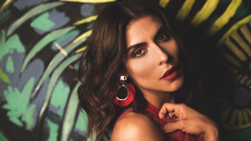 ¡Que elasticidad! Mira el vídeo de la cantante mexicana María León que enloqueció a sus fans
