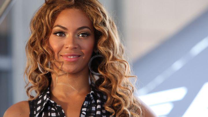 """""""¡Si haces zoom le salen escamas!"""" El atuendo de Beyoncé que se va a romper """"¿Voluptuosa?"""""""