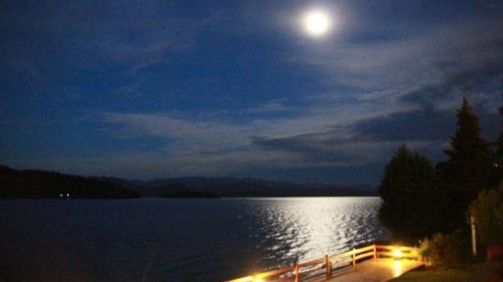 """""""Extrañas luces"""": ¿Qué es lo que se vio en el cielo de Bariloche?"""