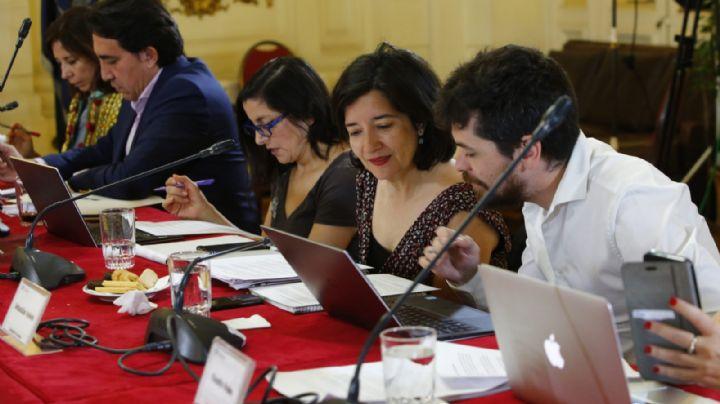 La Comisión técnica entregó el borrador de reforma para cambiar la Constitución de Chile