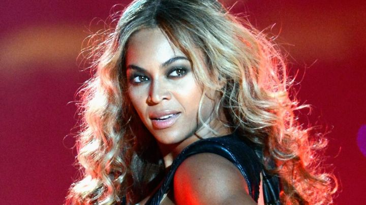 Beyoncé posa de espaldas y muestra su mejor atributo, ¿lo tiene más grande que JLo?