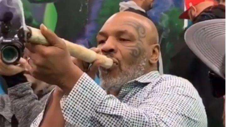 """Mike Tyson se fuma un porro gigante de la """"mejor marihuana"""" y genera miles de reacciones"""