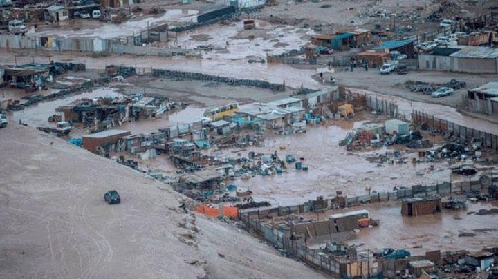 Graves inundaciones en Chile, dejan muertos y severos daños