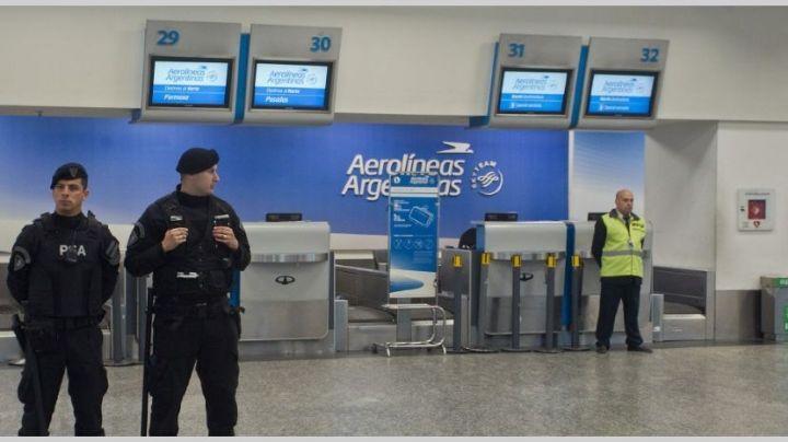 Los pilotos se suman al paro del 30 de abril y podría no haber vuelos