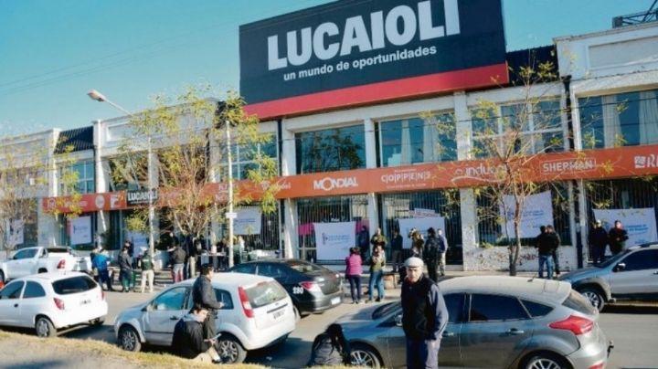 Lucaioli y Saturno Hogar cierran sus 30 locales en el país