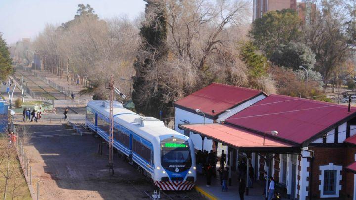 """""""Reparado"""": El Tren del Valle ya funciona entre Neuquén y Cipolletti"""