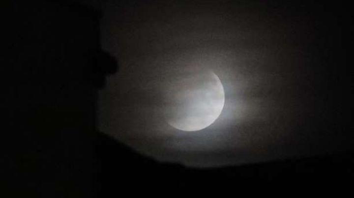 Mirá cómo se vio el eclipse de luna en Neuquén
