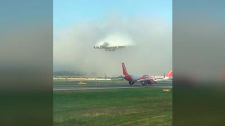 """Video: el enorme avión """"fantasma"""" de Emirates viral en Twitter"""