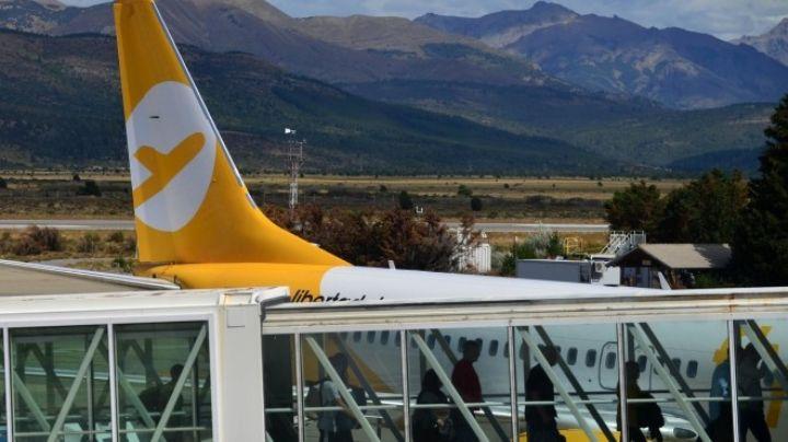 """""""Inaudito"""": El perjuicio inesperado para Bariloche y los vuelos """"low cost"""" de pasajeros"""