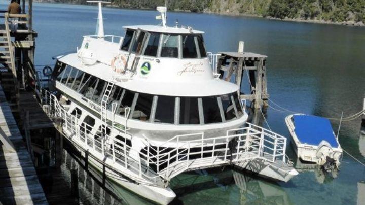 Villa La Angostura: los servicios de catamaranes como alternativa a la ruta son un éxito