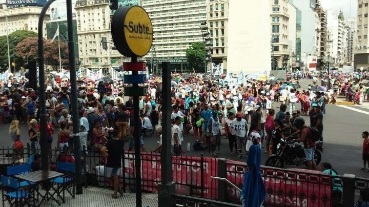 Protestas, movilización y cortes: ¡El Senado discute la Ley de Emergencia Alimentaria!