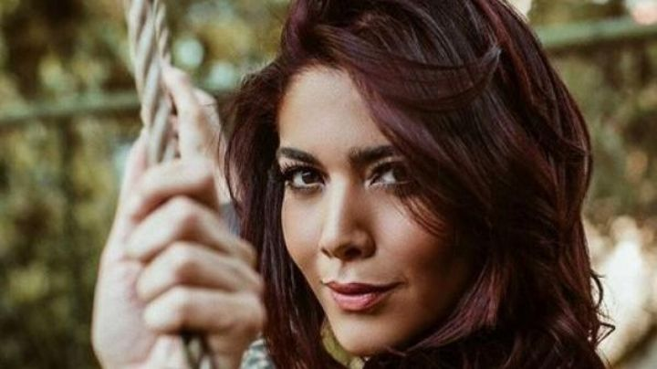 ¡Sabe cómo calentar las redes! Erika Fernández posó como Dios la trajo al mundo