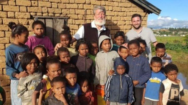 Contra la pobreza: Llegó al país el modelo que el padre Pedro Opeka puso en marcha en África