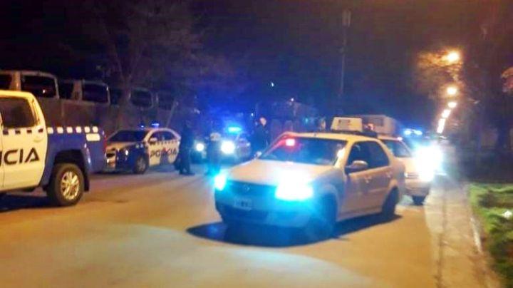 """""""Justicia por mano propia"""": Taxistas casi linchan a un ladrón en Neuquén"""