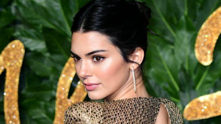 ¡Marcada! Kendall Jenner frente al espejo es un sueño hecho realidad